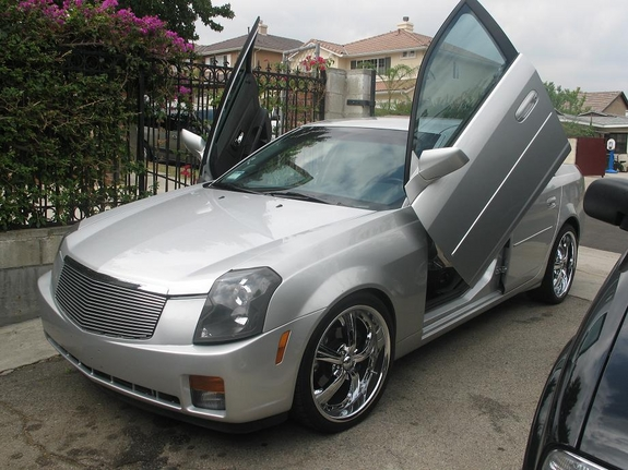 CTS -V 08-2013+ BOLT ON LAMBO DOORS - VERTICAL DOORS